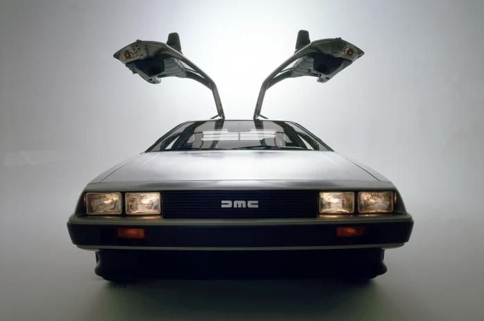 El DeLorean viaja en el tiempo y regresa para el 2019.