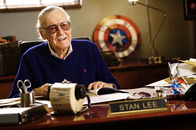 Stan Lee, creador del Universo Marvel, fallece a los 95 años.